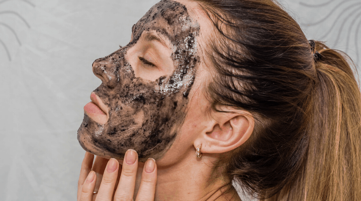 How to use charcoal facial scrub?